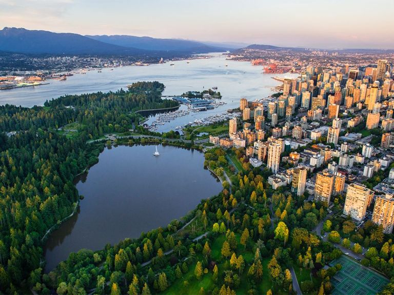 stanley-park-aerial-vancouver_82350_990x742